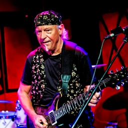 Guitarist Martin Barre on COVID and 50 Years of Jethro Tull