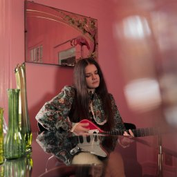 Analog Girl In a Digital World: A Conversation with Songwriter/Guitarist Arielle