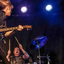 Legendary guitarist Pat 'The Professor' McManus returns with 'Full Service Resumed'