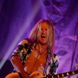 Guitarist Doug Aldrich talks Dead Daisies, Dio, and Whitesnake ahead of Buffalo gig